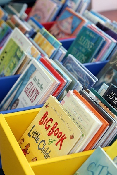 childrens-picture-books-library-boxes-page